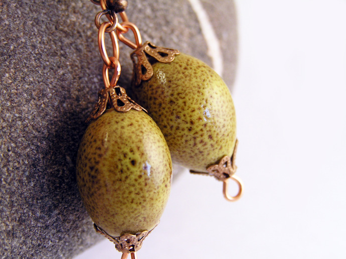 Yellow ceramic earrings with copper details