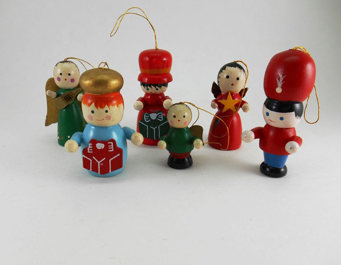 Collection of 6 vintage wood christmas wildgoosechase for Collecting vintage christmas ornaments