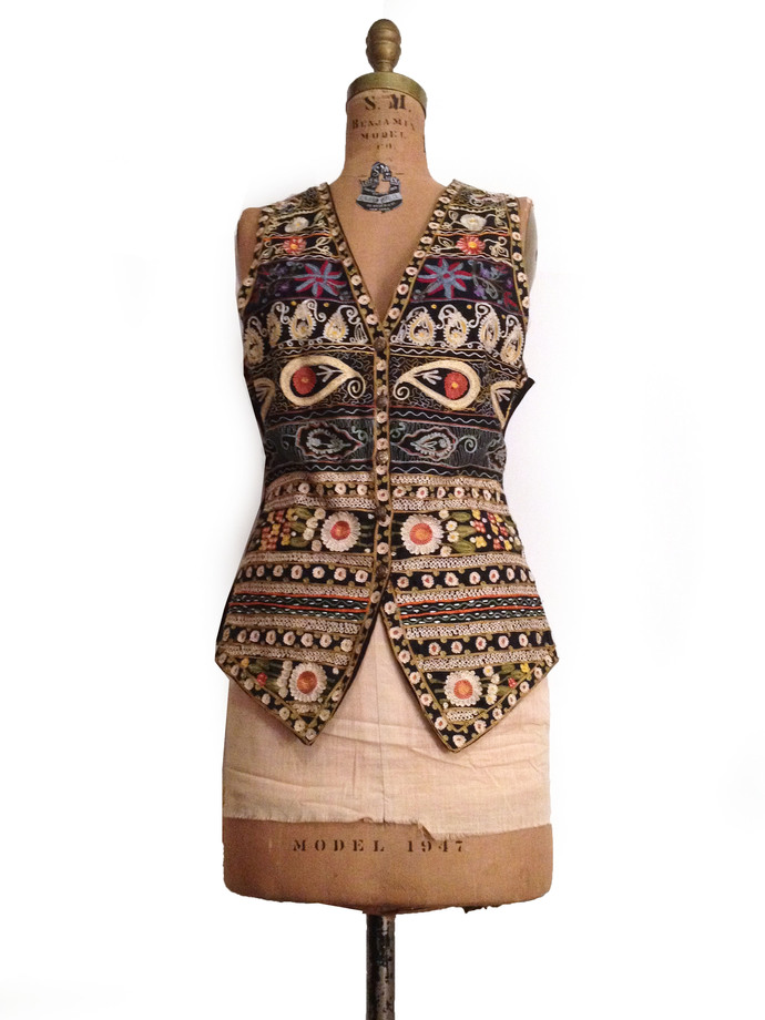 Vtg. India  Embroidered Ethnic BoHo Vest/ Gillet - S/M