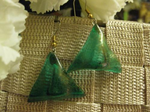 Earrings in irridescent green triangle shaped
