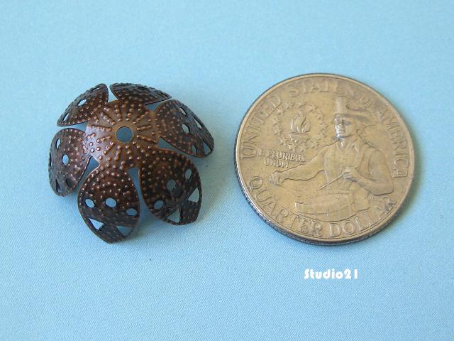 40 pcs Antique Red Copper 6-Petal Flower Bead Cap