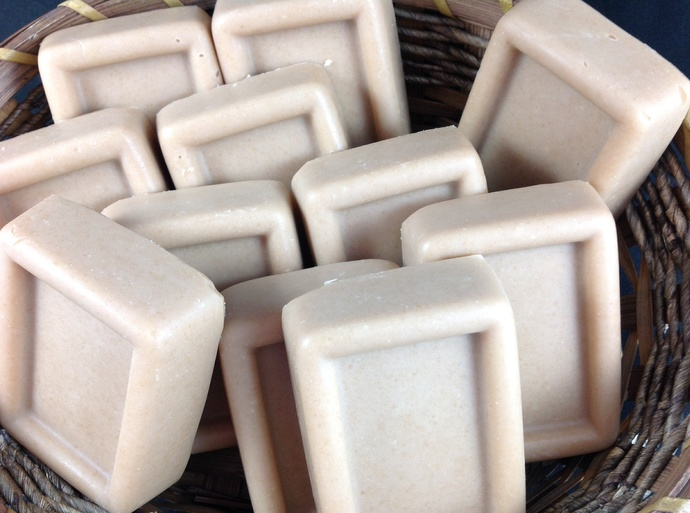 Honey Almond Goat milk soap in rectangle bar,cold process,all natural