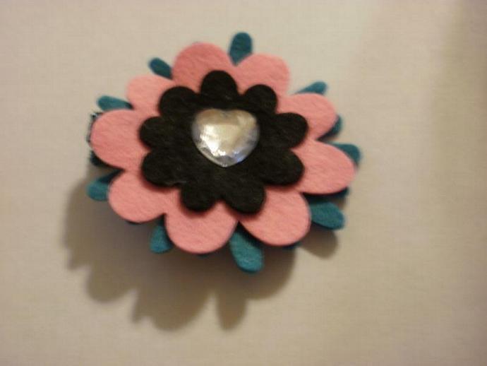 Wool Felt Flower Clippie (Z128)