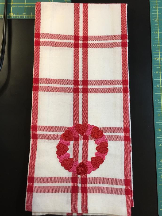 HEART WREATH kitchen towel