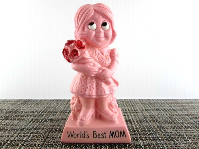 1973 Wallace Berrie 9093 Best Mom Sillisculpt