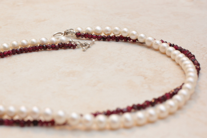 Freshwater pearl and garnet necklace