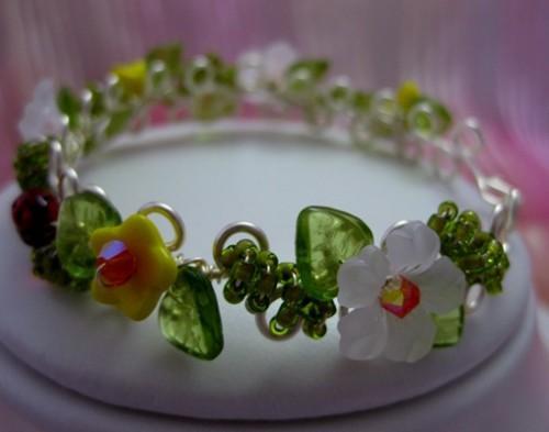 White/Yellow Hibiscus May day Wirework Bracelet