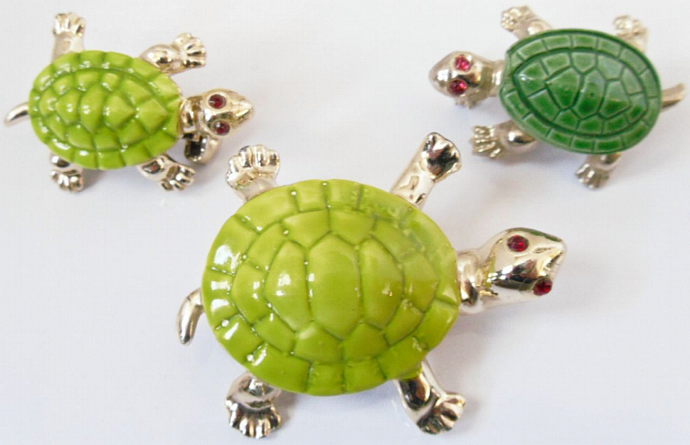 Vintage - Gerry Set of 3 Turtle Brooches