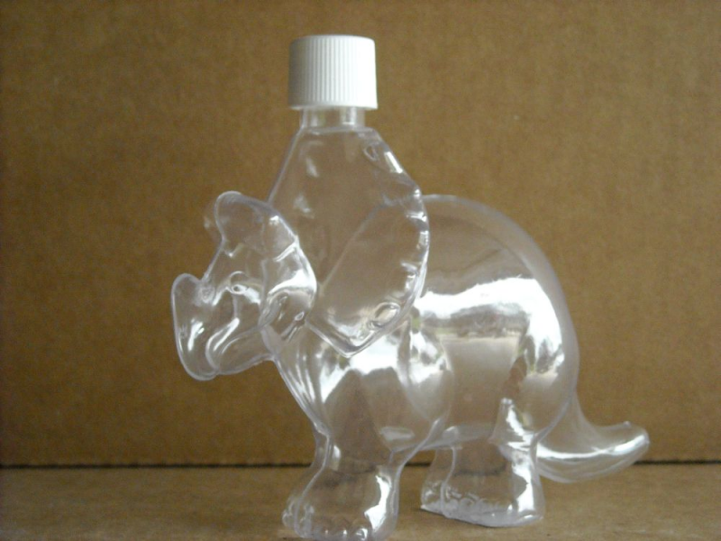 Gallery for plastic sand art bottles for Art made from plastic bottles