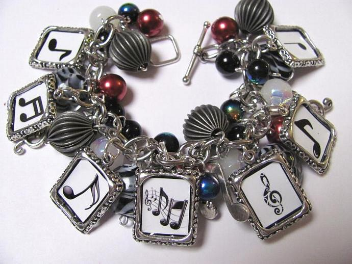 Music note theme Chunky Charm Bracelet-Black, White