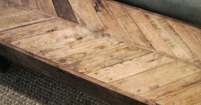 Original chevron pallet coffee table 06